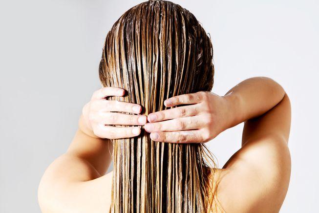 Сонник мыть волосы к чему снится  мыть волосы во сне